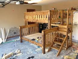 Build A Bunk Bed With Trundle by Bunk Beds Free Bunk Bed Building Plans Queen Size Bunk Beds Free