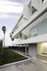Home Sleek Home by Mesmerising Motion Of The Ocean Sleek House Situated Next To The