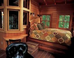 Tree Houses Around The World Tree House Pictures Amazing Treehouses