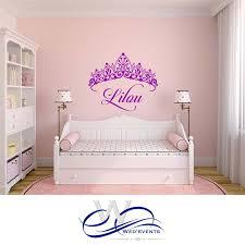 stickers chambre fille princesse stickers muraux personnalisés avec le prénom et un ornement