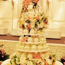 wedding cake jakarta crastisiere wedding wedding cake in jakarta bridestory sg