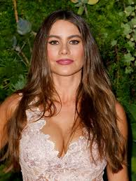 modern family hairstyles sofia vergara shows off her new bangs on instagram allure