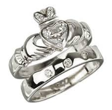 claddagh set kinnaird bagpipes 18k white gold diamond claddagh wedding ring