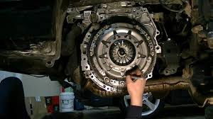 nissan versa engine swap 2006 b15 serspec v clutch replacement part 3 youtube