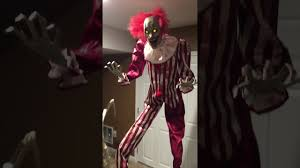 clown costumes spirit halloween spirit halloween creepy towering clown 2017 youtube