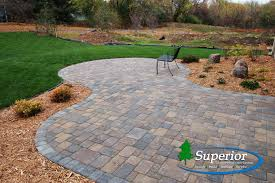 Paver Patio Cost Per Square Foot by Willow Creek Paver Patio With Circle Inlay Charcoal Blend Solder