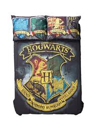 amazon com harry potter distressed hogwarts crest full queen