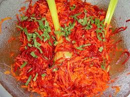 cuisiner des betteraves rouges recette de salade de betteraves rouges la recette facile cuisiner