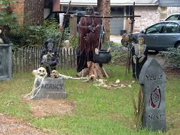 realistic yard decorations that will scare your