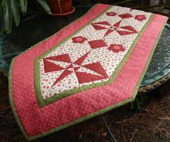easy paper pieced table runner quilt pattern christmas summer