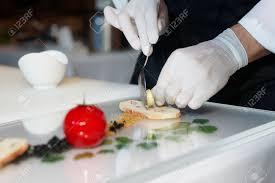 photo plat cuisine gastronomique chef de cuisine est la cuisine un plat gastronomique élégante banque