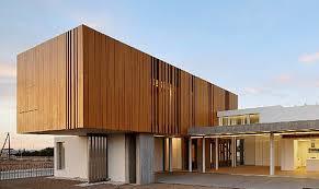 rivestimento listelli legno rivestimento facciate in legno id礬es de design d int礬rieur