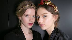 hairpiece stlye for matric 101 prom hairstyles that will steal the show this year stylecaster