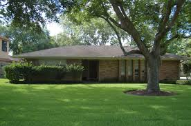 Landscape Curb Appeal - great ranch house curb appeal decoration with grass front yard