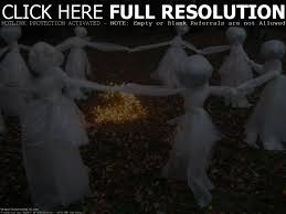 Cute Halloween Yard Stakes by Best 25 Scary Halloween Decorations Ideas On Pinterest Spooky