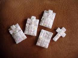 pocket crosses cross in my pocket plastic canvas canvases and tutorials