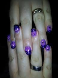 nail art light purple lattice stamping on dark purple tips with