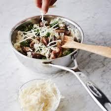 demeyere cuisine demeyere silver7 conical saucier 2 qt sur la table