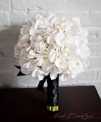 hydrangea wedding bouquet white hydrangea wedding bouquet white and black hydrangea
