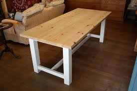Delighful Farmhouse Kitchen Table Designed With Terracotta Floor - Kitchen table styles