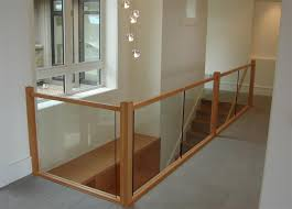 Fusion Banister Glass Banister With Wood Can Someone Tell Me How To Make This
