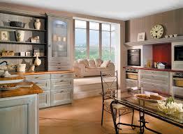 cuisine en chene repeinte cuisine classique en bois massif