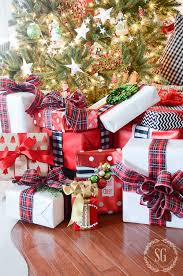 christmas gift wrap 30 diy gift wrapping ideas for christmas holidays wrapping