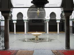 أقدم جامعة العالم العربي تتعرّض