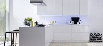 meuble cuisine laqué blanc meuble de cuisine blanc brillant idée de modèle de cuisine