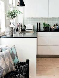 plan de travail cuisine blanc laqué 43 best cuisine blanche laqué plan noir images on