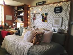 Sick Dorm Room Media Center Setup And Workstation New by Best 25 Tech Room Ideas On Pinterest Computer Gaming Room