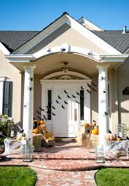 halloween front yard decorations halloween porch peeinn com