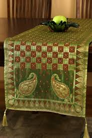 green table runners