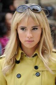 hairstyles for 20 year olds fistail braid hairstyle suki waterhouse 2oceansvibe com