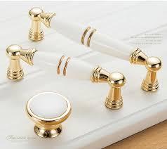 boutons de portes de cuisine meubles or bouton cabinet boutons et poignées simple cuisine