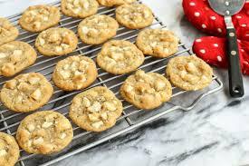 How To Make White Chocolate White Chocolate Macadamia Nut Cookies With Sea Salt The Pioneer