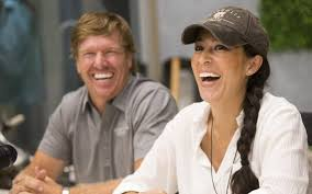 fixer upper hosts chip and joanna gaines auction off elite cafe