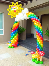 beautiful balloon arch made by balloontwistee balloon decoration