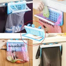 porte sac poubelle cuisine la cabina porte sacs poubelle pliable à suspendre pour placard de