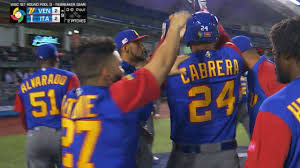 Italy Country Walkers by Venezuela Rallies Past Italy To Advance Mlb Com