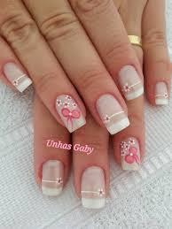 imagenes de uñas pintadas pequeñas white nail design in french style with little flowers uñas blacnas