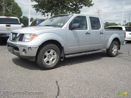 nissan frontier crew cab 4x4 2008 nissan frontier se crew cab 4x4 in radiant silver 447497
