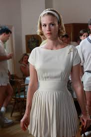 mad men dress 25 amazing mad men fashion moments from betty megan peggy