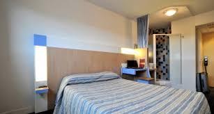 chambre hotel pas cher p dej hotel millau sud hotel pas cher