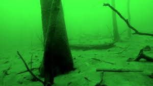 how big is table rock lake 80 100 ft under table rock lake youtube