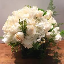 flower delivery nyc chelsea flower delivery nyc 10022 10019 manhattan florist white roses