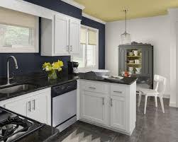 peinture mur cuisine cuisines peinture murs cuisine bleu gris plafond ivoire peinture