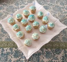vanilla mini cupcakes for a babyfamilybites virtual baby shower
