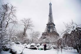 paris pictures the biggest snow in decades just fell in paris here s what it