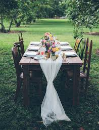 country brunch wedding at estancia culinaria lace runner burlap